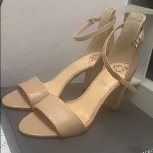 NEVER WORN BRAND NEW VINCE CAMUTO HEELED SANDALS